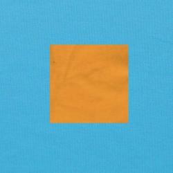Maisgeel op helderblauw