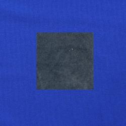 Grijs op kobaltblauw