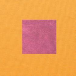 Donkerroze op oranjegeel
